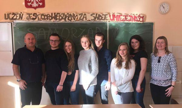Samorząd Uczniowski wraz z opiekunami.