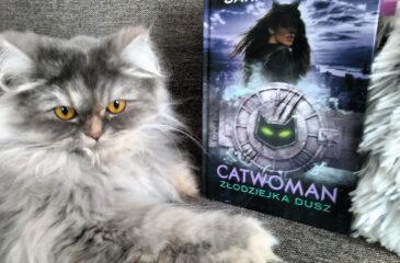 "Okładka książki ""Catwoman"""